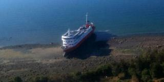 120 rescued from grounded cruise ship in Chile