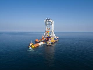 Van Oord heavy lift installation vessel Svanen takes on another Baltic project