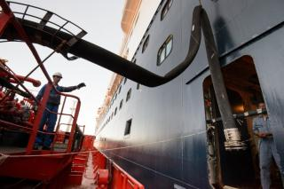 Gazprom Neft improves the quality of marine lubricants supplies in Ust-Luga port