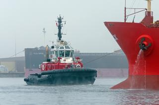 Svitzer Purchases Newbuild 80 TBP ASD Escort Tug Strengthening The Fleet In Southampton
