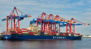 New Far East service at EUROGATE Container Terminal Hamburg
