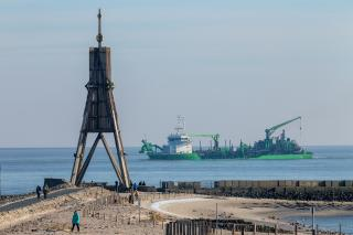 Major Elbe deepening contract awarded to DEME