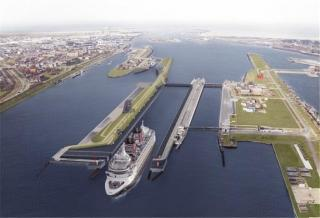 Completion of World's Largest Sea Lock Delayed