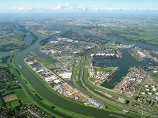 LBC Tank Terminals and The Port of Rotterdam reach agreement for joint investment regarding new jetty