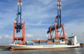 Unifeeder launches direct vessel connecting Antwerp and Dunkerque with Teesport and Grangemouth