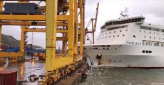 Grandi Navi Veloci' ferry Excellent collides with crane in Barcelona Port causing fire (Video)
