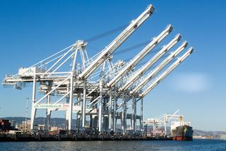 Port of Oakland getting three new cranes, could be tallest in U.S.