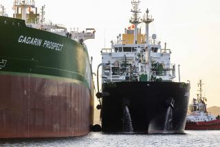 Shell and Sovcomflot LNG bunkering in Rotterdam marks number of firsts
