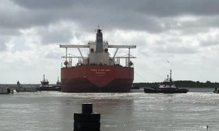 Seaway Loads First VLCC Ship