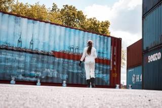 Hamburg Süd sends art from Hamburg around the world