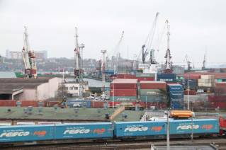 FESCO transported the first containers with grain from Khabarovsk to China