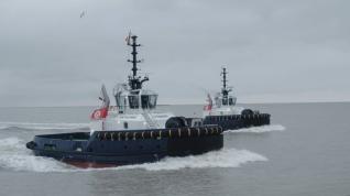 Pair of Damen-build Boluda tugs Arrive in Zeebrugge
