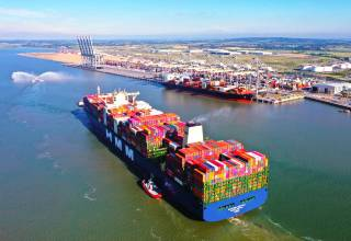 UK debut on the Thames for World's biggest container ship