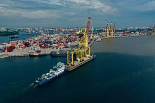 FESCO moved six E-RTG cranes between Global Ports terminals