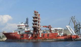 Seaway 7 to Convert 'Seven Phoenix' into Cable Layer