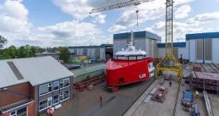 Wagenborg: Construction EasyMax 2 in progress with installation bridge deck