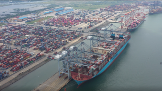 Cai Mep International Terminal receives ultra-large container ship