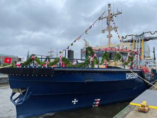 Two New Fire Boats Christened in Hamburg