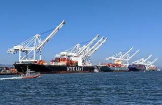 Port of Oakland import volume up for third straight month