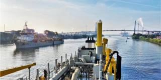 Jan De Nul goes for 100% sustainability by using biofuel for its maintenance dredging works in North Germany