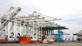 Terminal 5 Cranes Begin Voyage to Northwest Seaport Alliance's Seattle Harbor