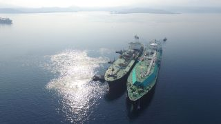 Petronas expands customer base with 3rd LNG break bulking STS transfer