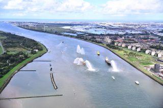 Deepening of Nieuwe Waterweg and Botlek complete