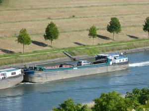 Photo of VICI LAURA ship