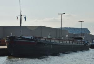 Photo of URANYUM ship