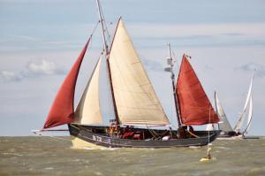Photo of JACQUELINE DENISE ship