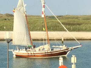Photo of DRUM OF DRAKE ship