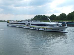 Photo of ELEGANT LADY ship