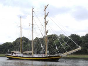 Photo of ROYAL HELENA ship