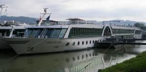 Photo of AMADEUS ROYAL ship