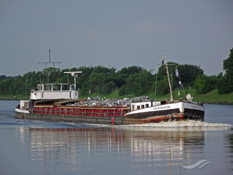 HOLSTENTOR (MMSI: 211177420) ; Place: Kiel_Canal/ Germany