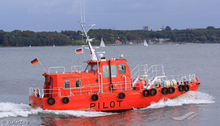 PILOT GEESTEMUENDE (MMSI: 211225930) ; Place: Kiel-Holtenau