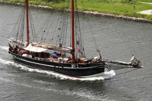 Photo of BV2 VEGESACK ship