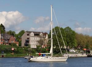 Photo of SY MANUIA ship