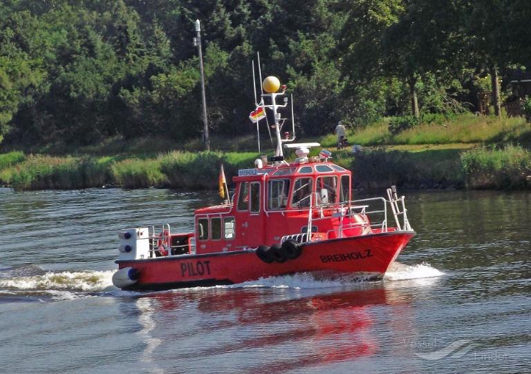 BREIHOLZ (MMSI: 211265610) ; Place: Kiel_Canal/ Germany