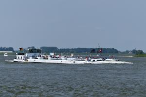 Photo of LINDA B ship