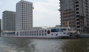 Photo of A ROSA AQUA ship