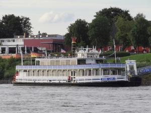Photo of RIVER LADY ship