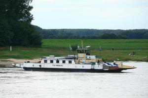Photo of FRITZ MIDDELANIS ship
