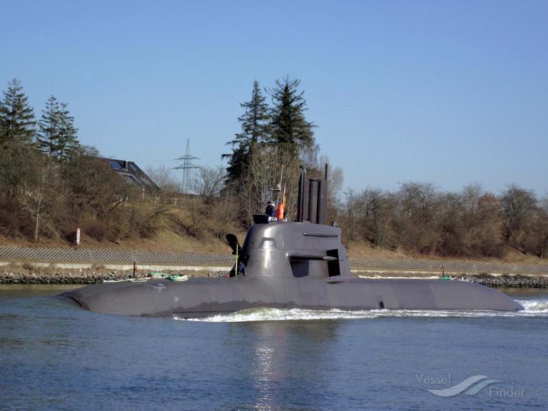 NATO WARSHIP S184 (MMSI: 211904000) ; Place: Kiel_Canal/ Germany