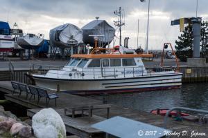 Photo of R/V DAPHNE ship