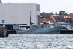 Photo of Y343 LUNDEN ship