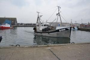 Photo of R499 MICHENTHO ship