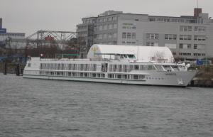 Photo of LA  FAYETTE ship