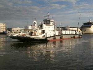Photo of L'ILE DUMET ship