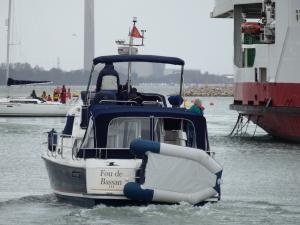 Photo of FOU DE BASSAN 3 ship